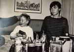 Ruotsin näyttelyreissulla Tukholmassa joulukuussa 1985. Sami Porttinen ja Harri Holttinen.